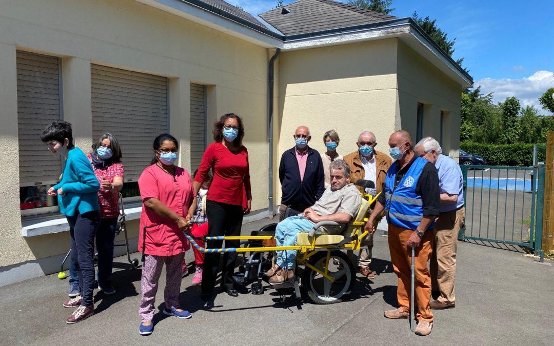 Don du Rotary Club Beaugency – Meung sur Loire pour l'EAM Herbaudière